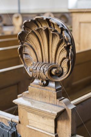 Украшения церковной скамьи