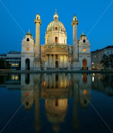 Фотография на тему Карлскирхе вечером, Вена, Австрия