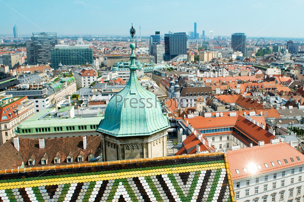 Фотография на тему Вид на крыши Вены с собора Святого Стефана