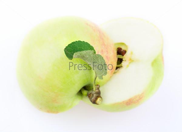 Нарезанное яблоко