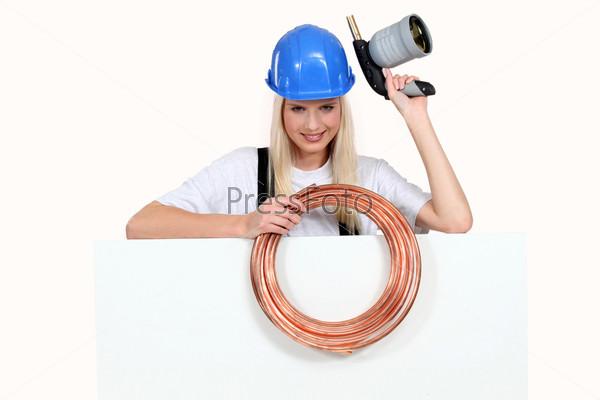 Женщина сантехник