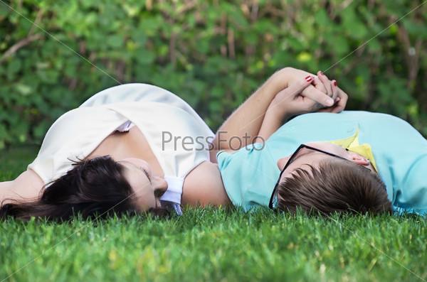 Фотография на тему Беременная жена с мужем