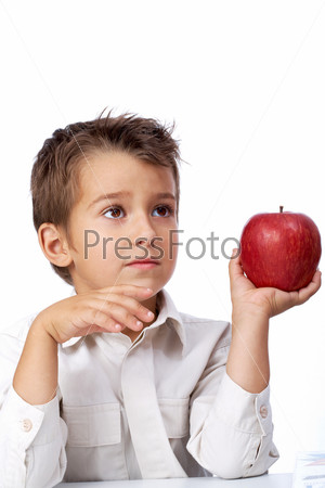 Фотография на тему Мальчик с яблоком