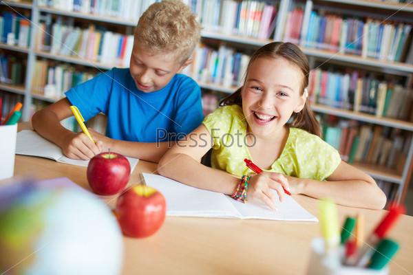 Фотография на тему Одноклассники в библиотеке