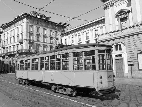 Фотография на тему Старинный исторический трамвай в Милане, Италия