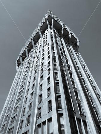Фотография на тему Торре Веласка, пример итальянский архитектуры, Милан