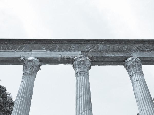 Колонны Святого Лаврентия, древние римские руины, Милан, Италия
