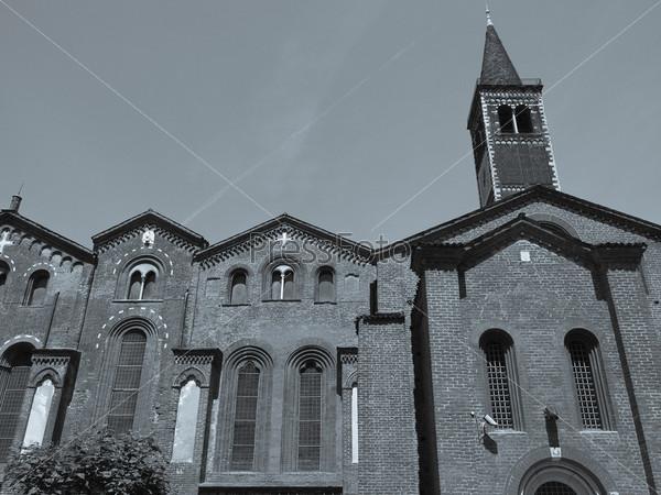 Фотография на тему Базилика Сант Эусторждо, Милан, Италия