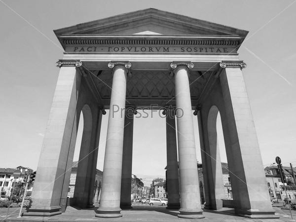 Ворота Порта Тичинезе в Милане, Италия