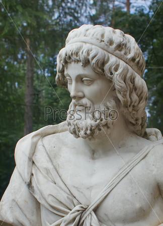 Мужская скульптура