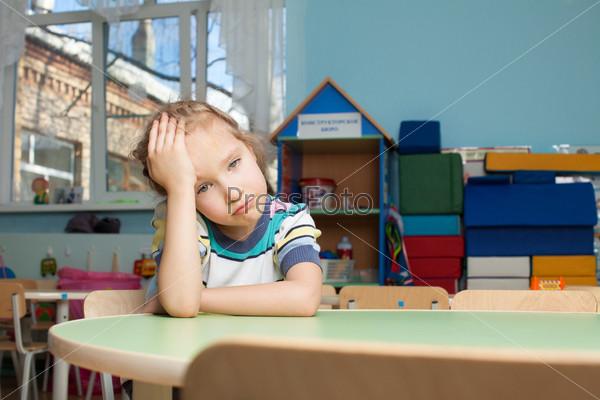 Фотография на тему Грустный ребенок в детском саду