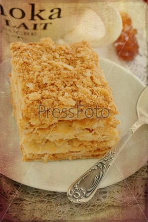 Торт Наполеон на старинном кружеве