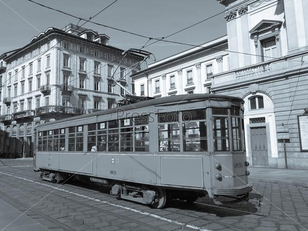 Старинный исторический трамвай в Милане, Италия