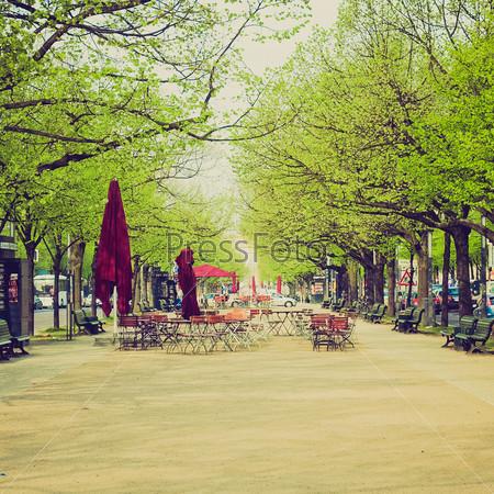 Фотография на тему Бульвар Унтер ден Линден в Берлине, Германия
