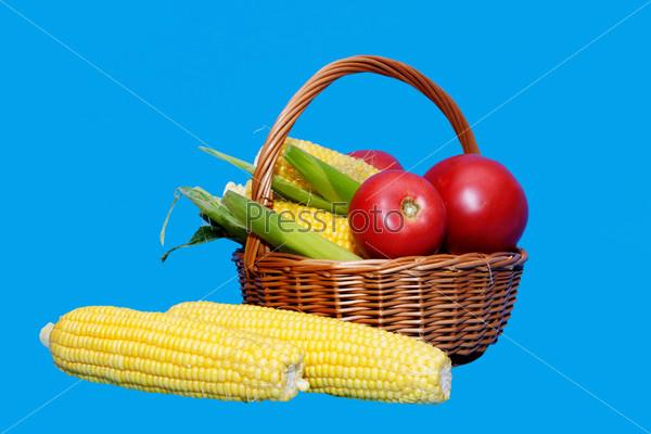 Кукуруза и помидоры