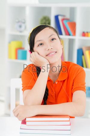 Фотография на тему Мечтательная девочка
