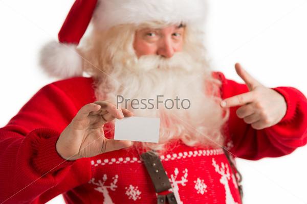 Портрет Деда Мороза, показывающего чистую визитную карточку