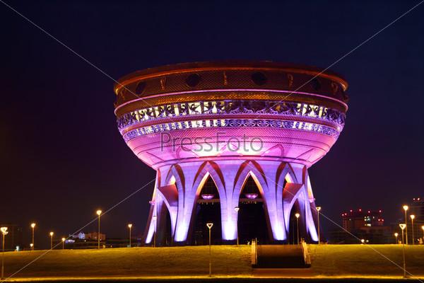 Свадебный дворец ночью в Казани