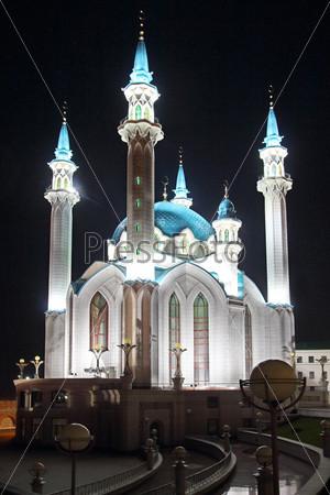 Мечеть Кул Шариф ночью в Казани