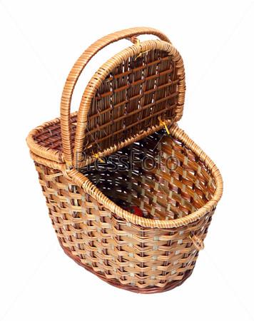 Фотография на тему Открытая корзина для пикника, изолированная
