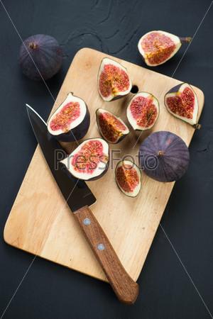 Натюрморт: плоды инжира