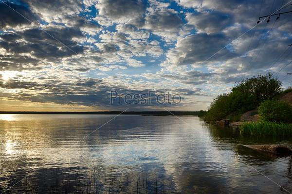 Фотография на тему Озеро на закате