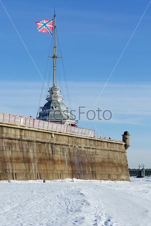 Гранитные стены Петропавловской крепости