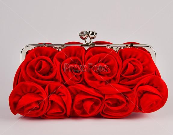 Женская сумочка, серый фон