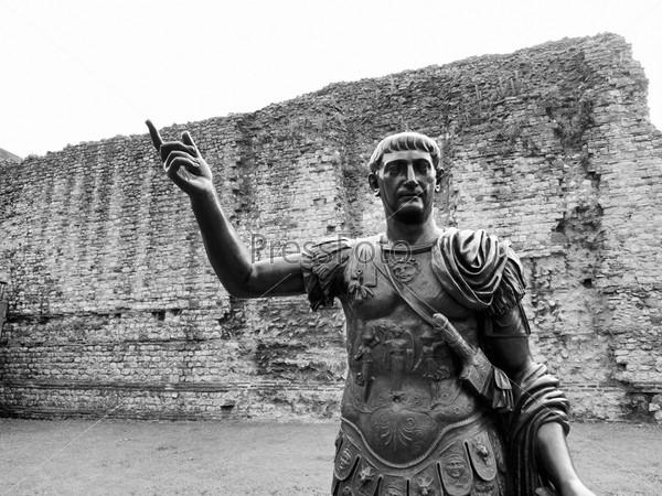 Древний памятник римского императора Траяна, Лондон, Великобритания
