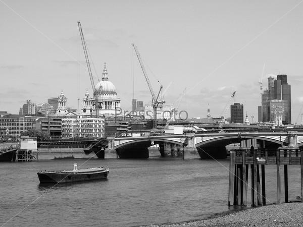 Фотография на тему Панорамный вид на Темзу, Лондон, Великобритания