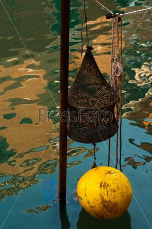 Фотография на тему Венеция, Италия, оборудование для лова на канале