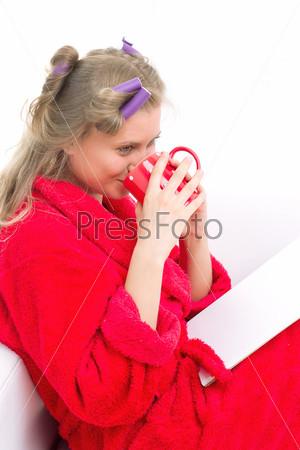 Фотография на тему Девушка в красном халате