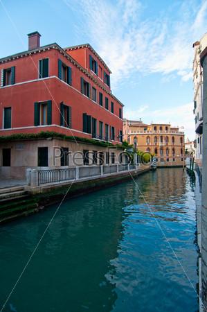 Фотография на тему Необычный живописный вид. Венеция. Италия