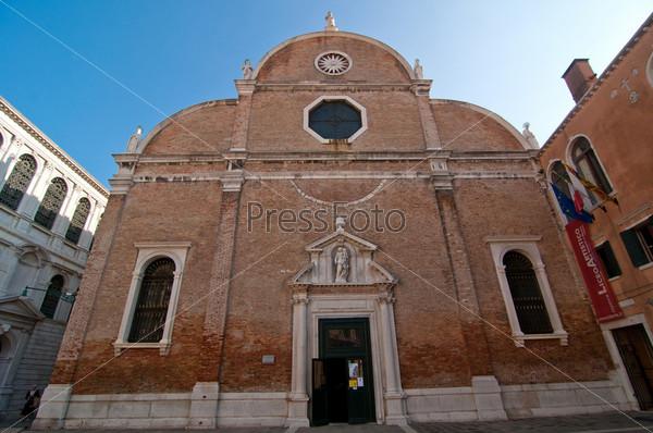 Фотография на тему Венеция. Италия. Церковь Кармини