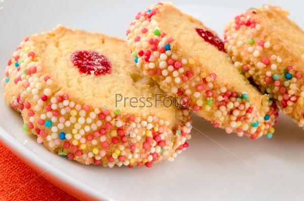 Французские разноцветные печенья