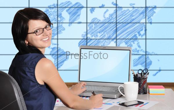 Фотография на тему Женщина с ноутбуком