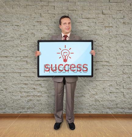 Плазменная панель с символом успеха