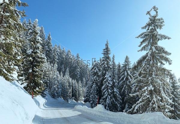 Фотография на тему Зимний горный утренний пейзаж