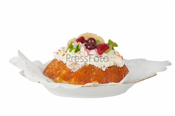 Фотография на тему Бисквитный торт с ягодами
