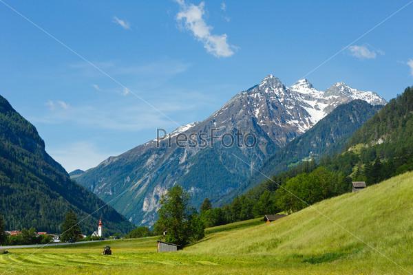 Фотография на тему Летний альпийский пейзаж