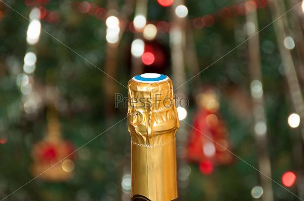 Бутылка шампанского и боке