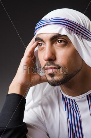 Араб в глубокой задумчивости