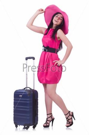 Молодая женщина готовится у отпуску