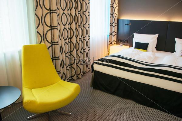 Фотография на тему Кресло в комнате