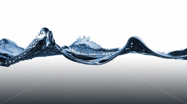 Голубая волна на воде