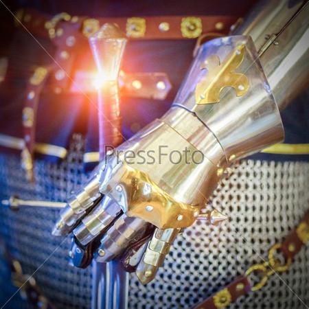 Рука рыцаря