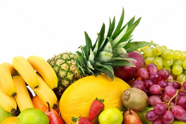 Набор фруктов, изолированных на белом фоне