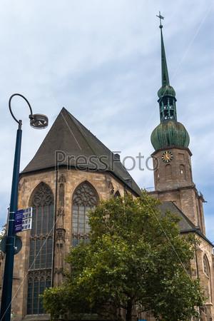Вечерний вид на церковь в Дортмунде
