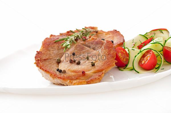 Фотография на тему Стейк с овощным салатом