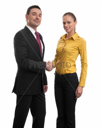 Деловая пара пожимает руки